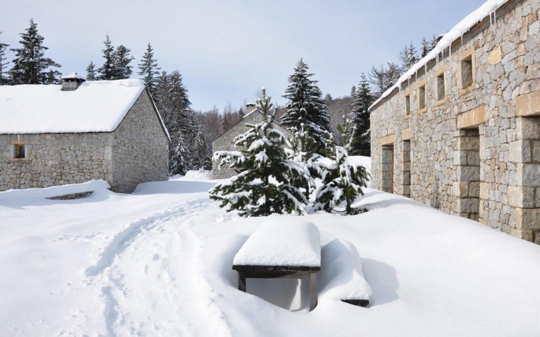 Première neige au Mas de la Barque