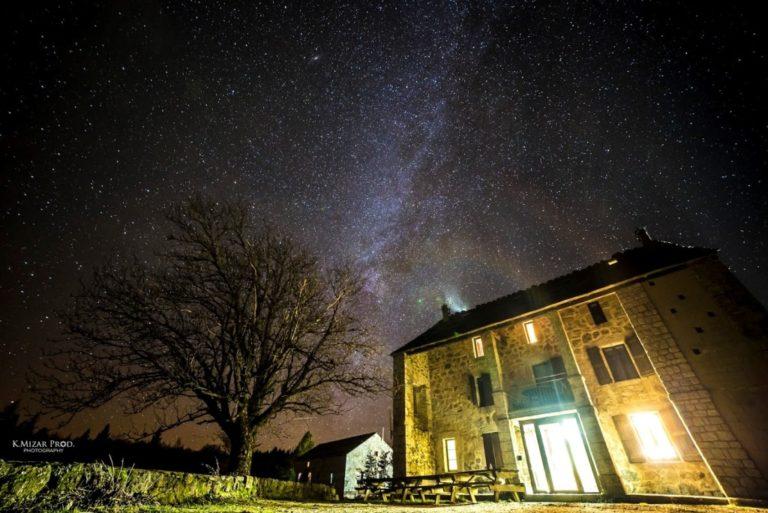maison forestiere nocturne etoile